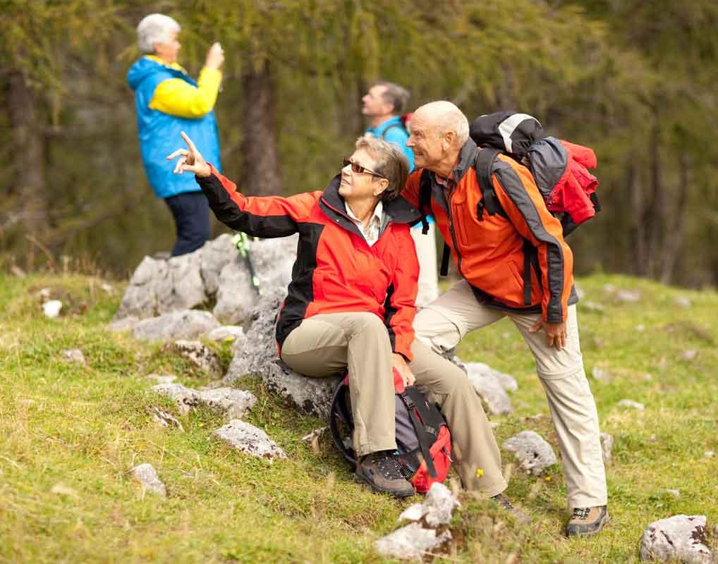 Alpen-Caravanpark-Tennsee-senioren-wandern